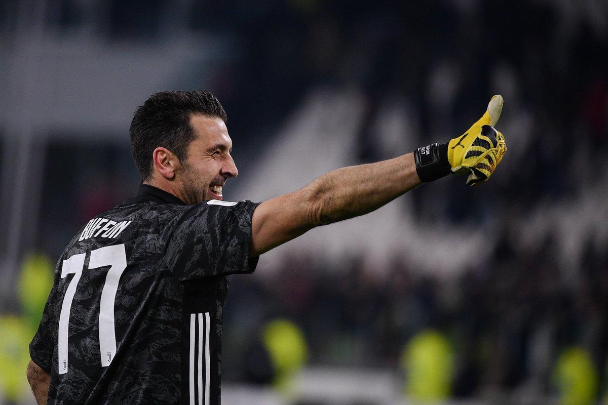 Un'altra semifinale conquistata con la voglia, con il sacrificio e la determinazione!  #JuveRoma #CoppaItalia #FinoAllaFine