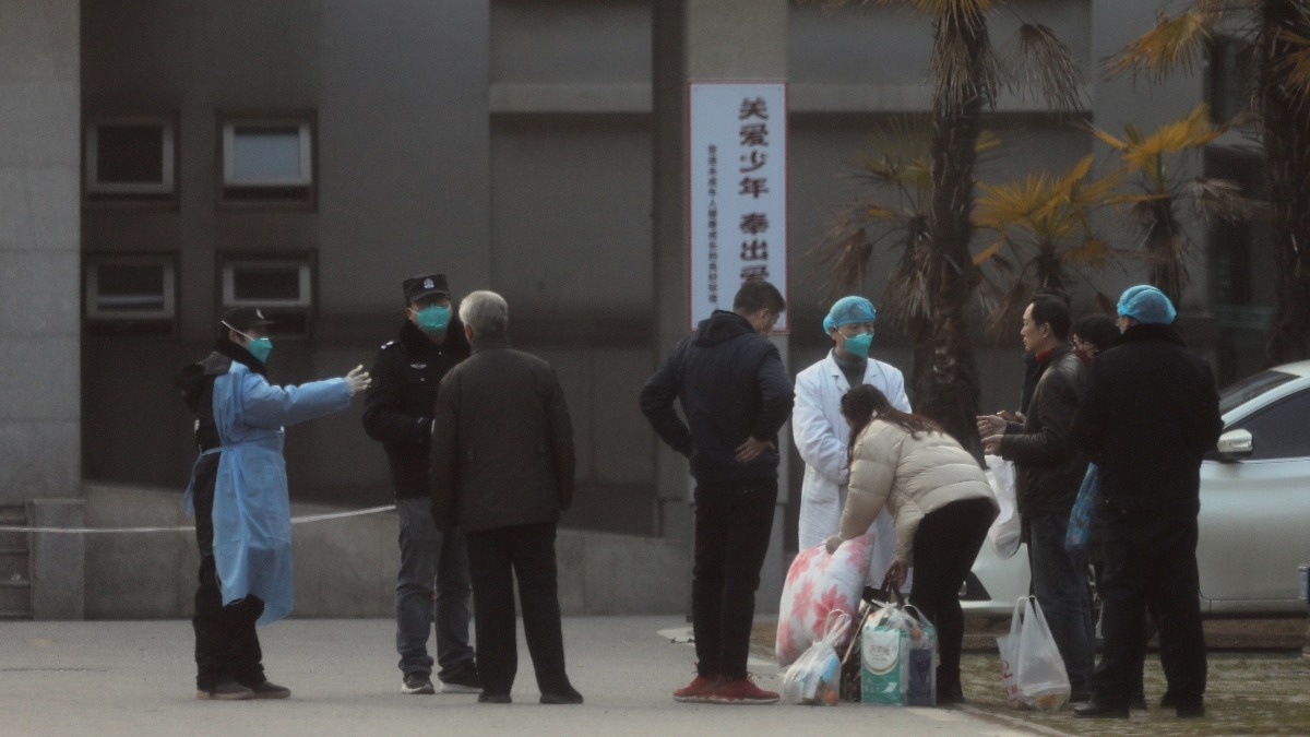 Wuhan shuts down, as WHO mulls 'global emergency' https://reut.rs/2GrXPRH