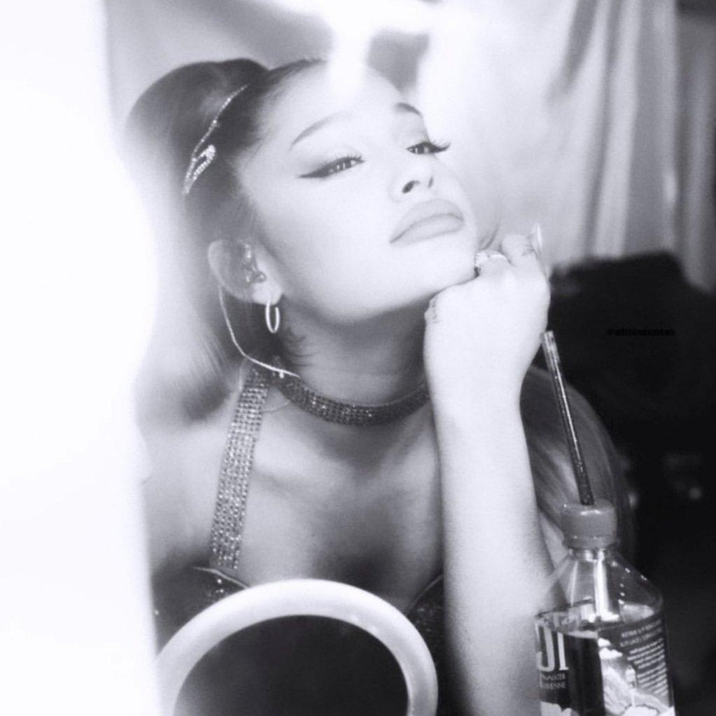   Los tours mas exitosos de Ariana:  #1. Sweetener Tour: $145,8 (101 shows)  #2. Dangerous Woman Tour: 71M (77 shows)  #3. Honeymoon Tour: 41.8M (81 shows) <br>http://pic.twitter.com/NOxRAIM8li