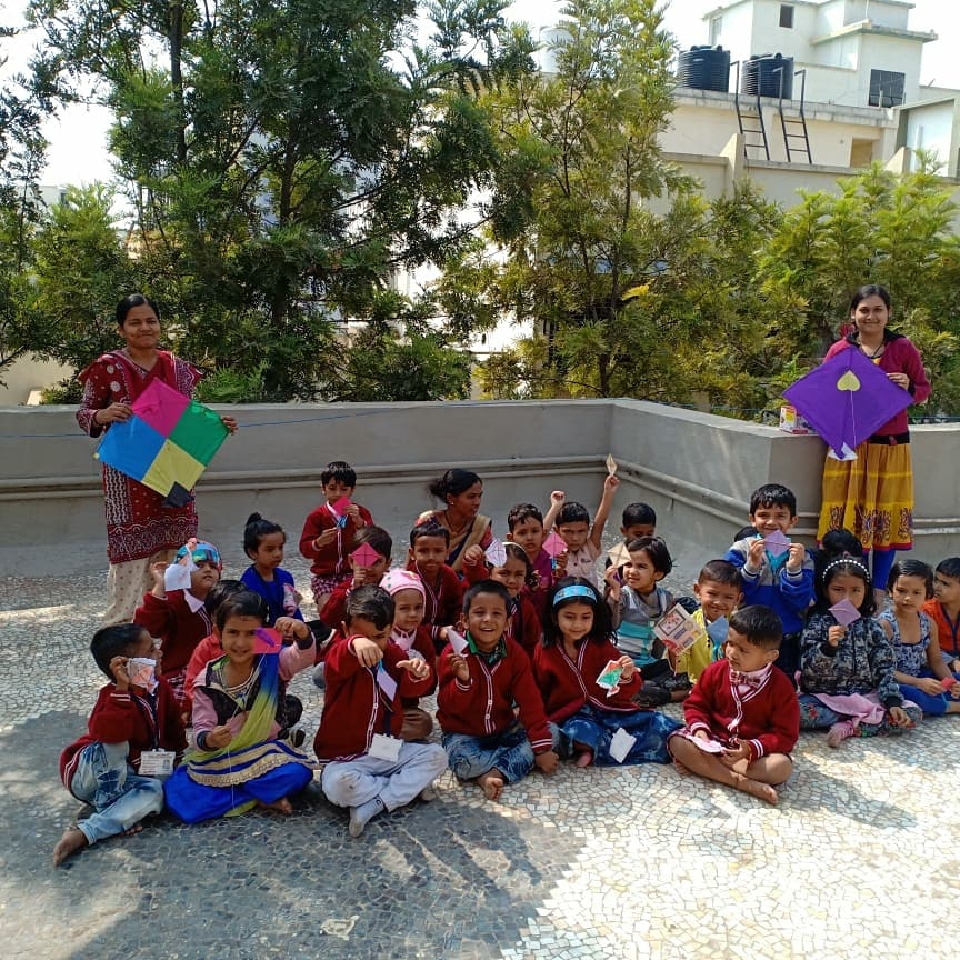 Makar Sankranti - the festival of kites and sweets was celebrated at the Sparkle Pre - Primary School with a lot of happiness and excitement!#kitefestival #makarsankranti#Nursery #Playgroup #Preschoolers #JuniorKG #SeniorKG #1ststandard #ActivityHub #sparklepreprimaryschool