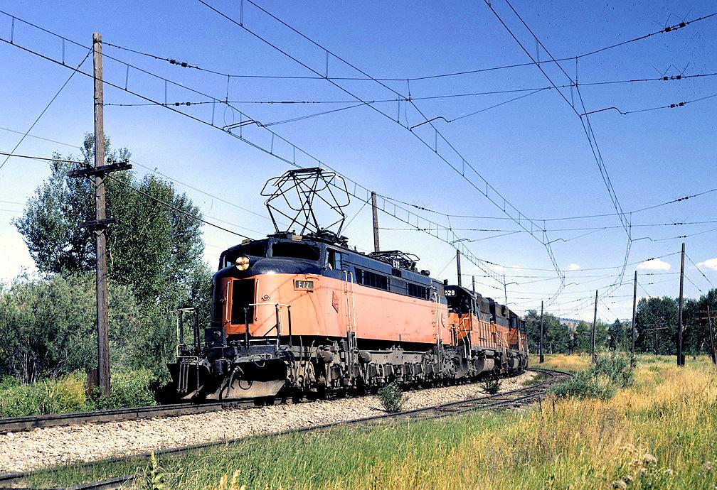 EO7wEjQWoAAT3FB - Electric Railroad through the Rockies