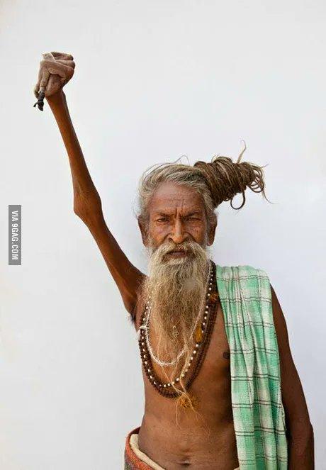 This man, Amar Bharti keeps his arm raised for 38 years.  #RarePic