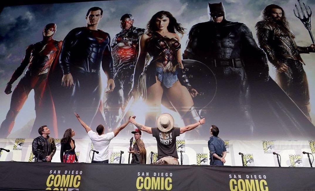 @WarnerBrosUK This Superhero Team. #ReleaseTheSnyderCut