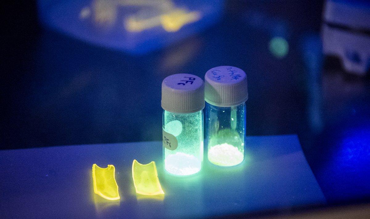 機械的応力を迅速かつ高感度で検出する発光性ポリマーを開発しました。@ChemCommun