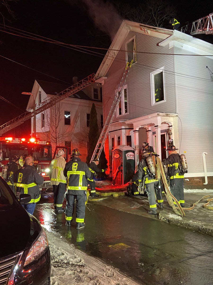 2 1/2  story unoccupied building under construction. Fire on 2nd fl and attic. Fire knocked down, all companies working<br>http://pic.twitter.com/4crEtcjinz
