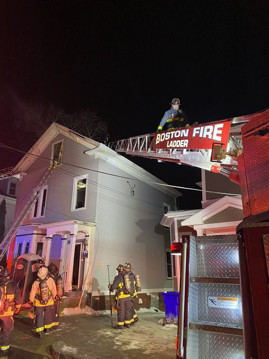 Fire knocked down. Companies making up. Damages estimated around $250,000. No injuries to report. BFD-FIU on scene to investigate cause of fire. Detail companies will remain to check for hotspots. Thanks to @BostonSparks for coming out in these freezing temperatures<br>http://pic.twitter.com/GA3ji1AjLF