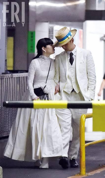 東出昌大さんがゴミと話題ですがここで松田夫妻のファッションセンスと三浦夫妻の顔面偏差値を見て欲しい