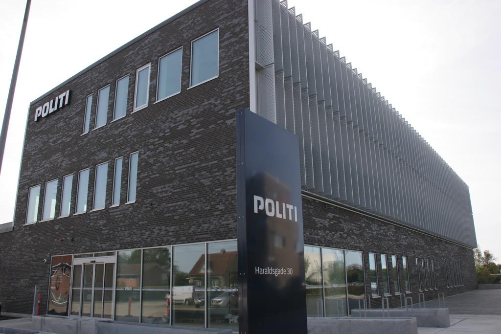 Den nye politigård i Herning summer allerede af liv og indvies officielt den 27. januar 2020. #politidk https://t.co/AfOvEmwtBt https://t.co/QKCzarLgje