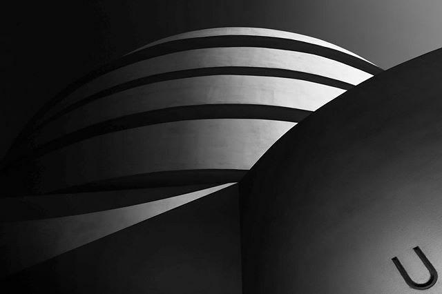 Guggenheim III.#guggenheim #guggenheimnyc #newyork #nyarchitecture #fineartarchitecture #structure_bestshots #bwartisanpro #stars_bw #ndmagazine #ig_nycity #bnwminimalismmag #minimalarchitecture #newyorkbuildings #arkiromantix_bw #bnw_captures #bnw_ma… https://ift.tt/30LffSs