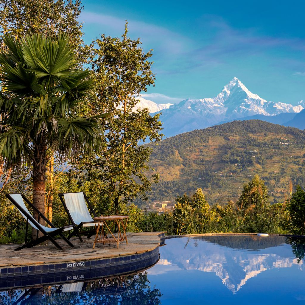 RT @ Earth_Changers_ A heavenly #transformative haven of #tranquillity at the #trekking centre of #Nepal, on a mountain ridge 1000ft above the #Pokhara valley, the gateway to the famous #Annapurna Circuit, the #lodge and #views are simply #stunning…