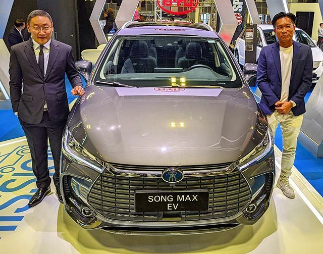 #sgMotorShow2020: Buffet-backed electric car maker #BYD launches the new #SongMaxEV MPV, at the #SingaporeMotorshow, until tomorrow at Suntec Level 4 & 6.  #tech4tea #ttm #sgMotorShow @sgMotorShow #t4tSGmotorShow #t4tSGmotorShow2020 #t4tMotoring #t4tPrev… https://ift.tt/2NdfkJ2 pic.twitter.com/ukbZ3fMepC