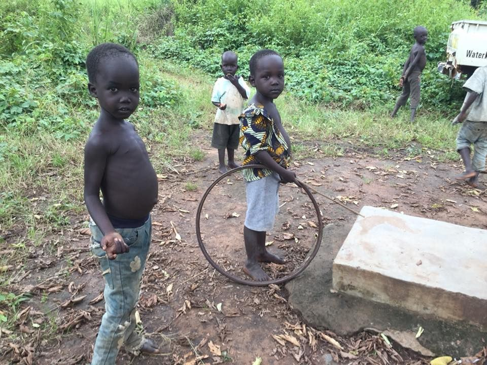 Success! A well restoration in Marakonye, South Sudan 💧 🌍 A population of 1150 now have access to clean water! ☀️
