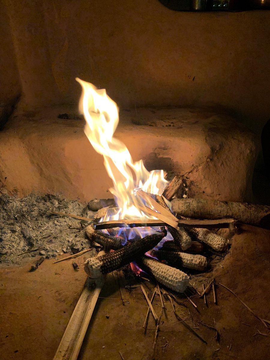 गाउँ न्यानो हुन्छ, ओभानो हुन्छ ! रित्तो छ, तर  पुग्नु भयो खुशी भएर तगारो खोल्छ ! #Falebas #Parbat
