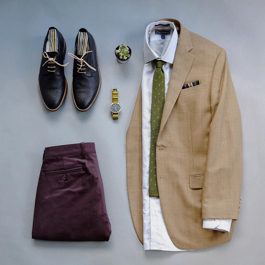 Don't be afraid to wear statement outfits. Mixing bold choices with everyday essentials is one way to pull it off. Leave a  if you agree. . . . #menswearinspired #mensweartips #menswearfashion #menswearstylist #clothesformen #manclothing #manclothes #dailysuitspic.twitter.com/feZbFGYOZh