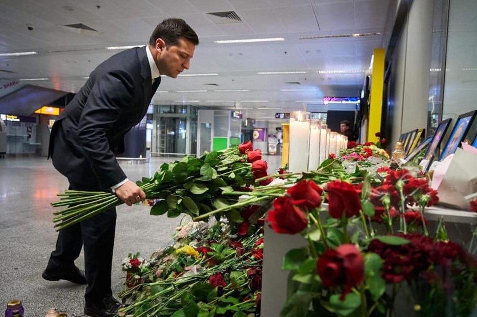 В память о героях Небесной Сотни Нигояна и Жизневского состоялось возложение цветов от Зеленского, - ОП - Цензор.НЕТ 2344