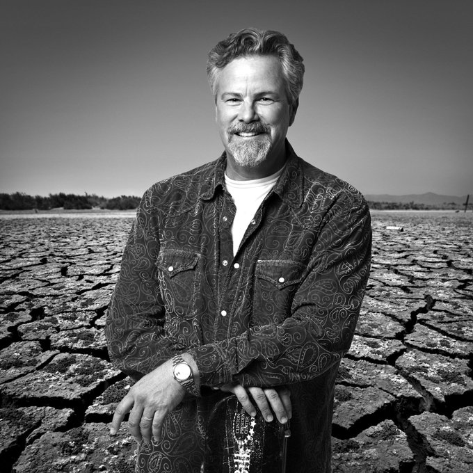 Happy Birthday to Robert Earl Keen! Got a good REK memory to share? Let\s hear it!