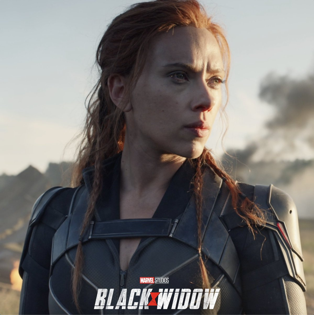 TONIGHT! Tune in to the  #CFBPlayoff  #NationalChampionship Presented by AT&T at 5PM PT/8PM ET on  @ESPN for a special look at Marvel Studios'  #BlackWidow.