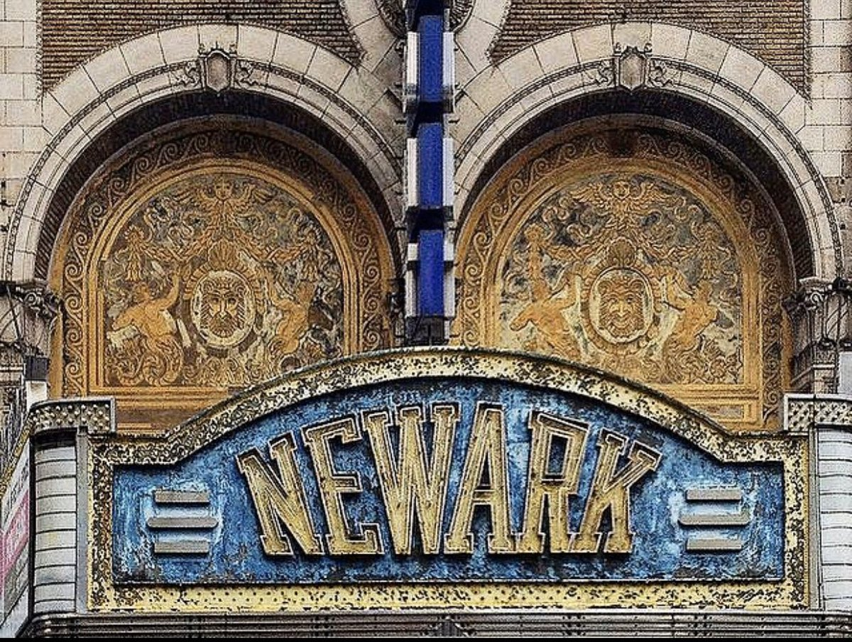The front façade of the Paramount Theater in Newark, NJ. It opened in 1886 and closed in 1986.  . . #njhistory #strandtheatre #newarktheatre #vaudeville #deserve2preserve #paramounttheatre #newarknj #newark #northjersey #just_newjersey #theaterphotography pic.twitter.com/A9wuhOxdae