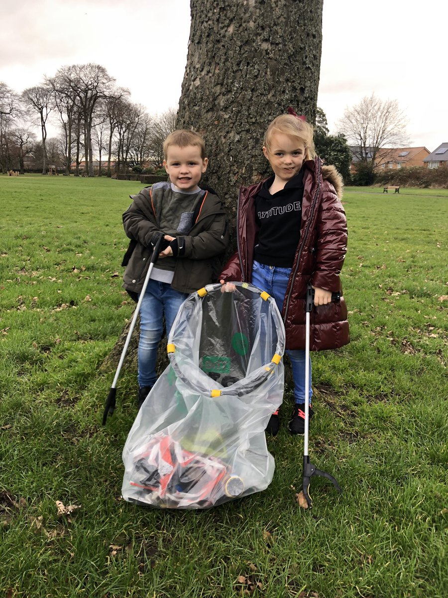 Teaching children to care for the environment starts young. And they absolutely love it. Vin even told someone off for throwing litter on the way home from the park. @yoe2019lcr @NGPFriends @LiverpoolParks #NorrisGreen #FoNGP #volunteers