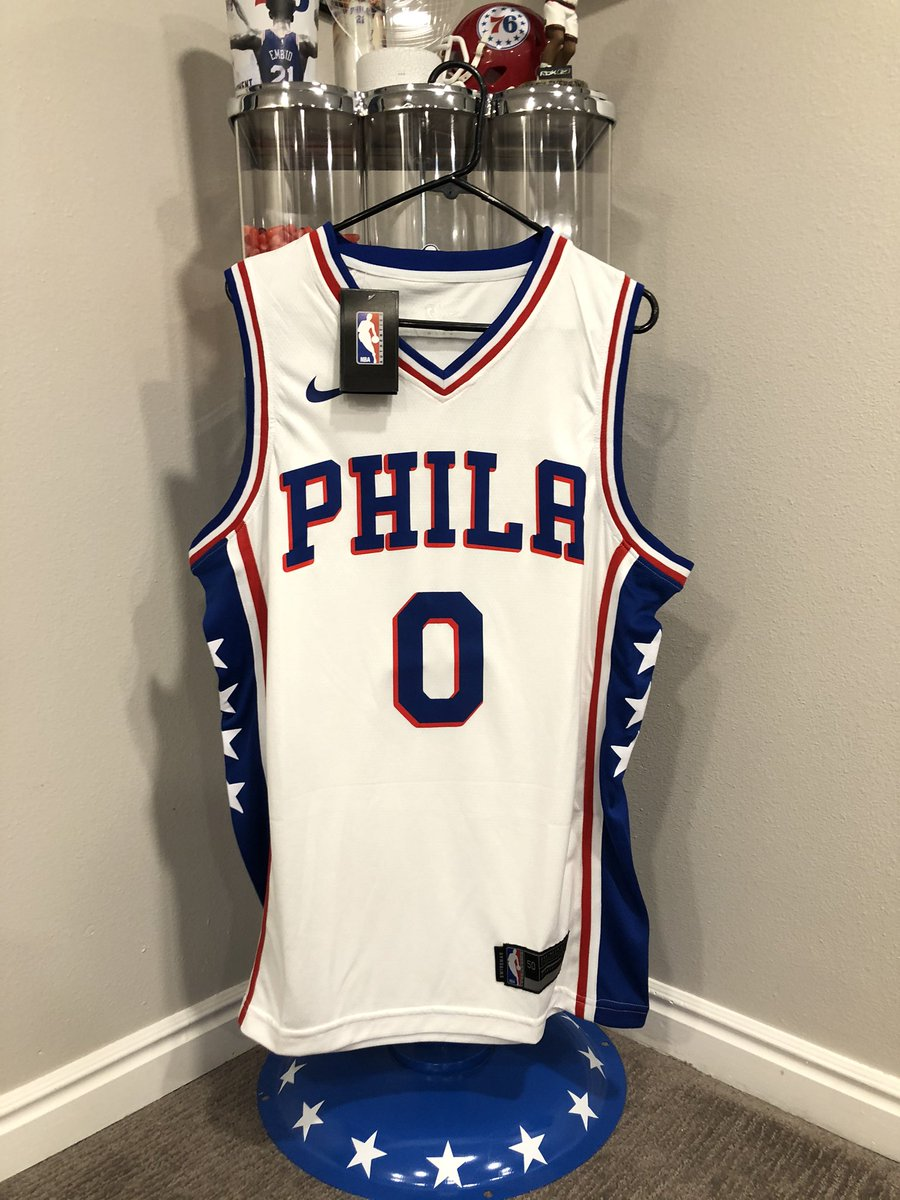 It's been a minute, let's do another giveaway! Coming off arguably his best game as a Sixer, let's show some love to Josh Richardson.  Today's prize:  - Josh Richardson away jersey  All you gotta do:  - Retweet & follow  Winner selected @ halftime tonight! Good luck! Go Sixers! https://t.co/7WTgLzuGNc
