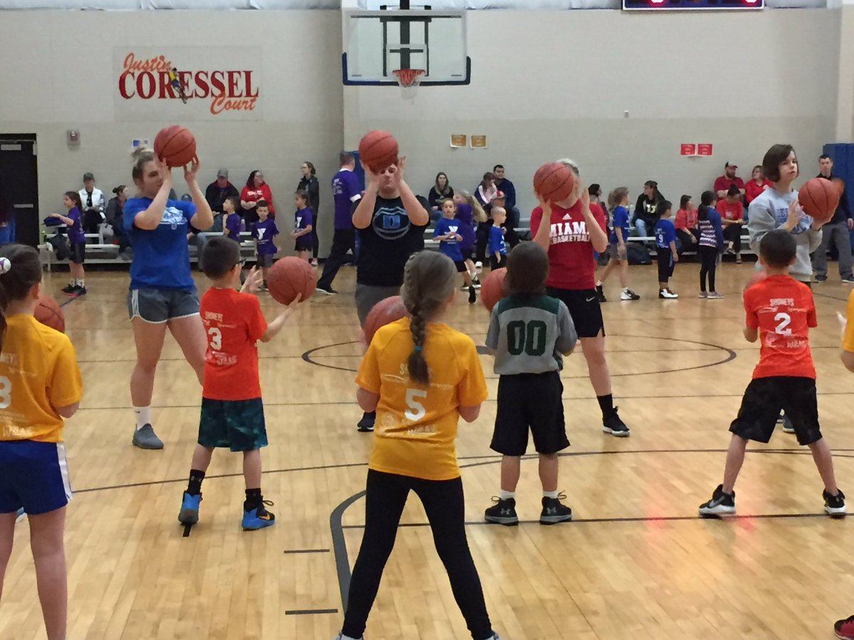 2 weeks of skills sessions @DefianceYMCA serving our community... it's more than just basketball.  Great work ladies! #defidoes #bandofsisters #greattobeabulldog https://t.co/WUY5Rnzs9J