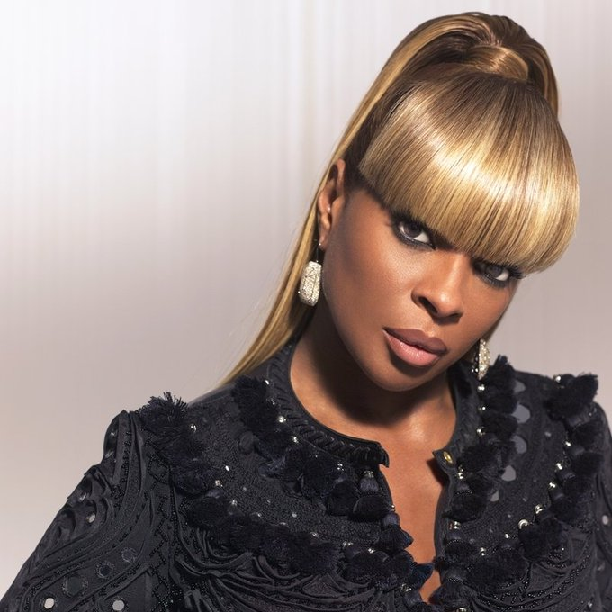 Happy birthday to THE Mary J Blige the Queen of R&B and Hip Hop Soul.