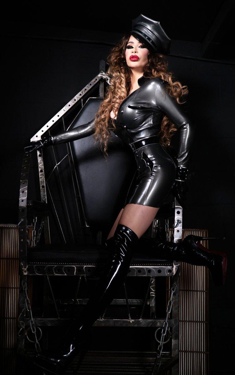 Oublietteclip store female domination world