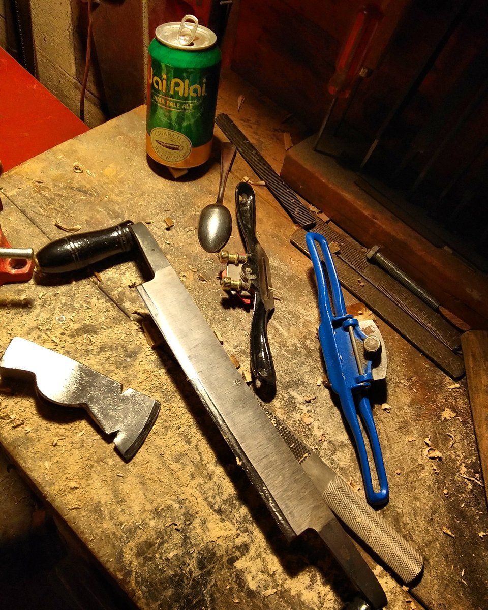 Nothing to complain about here [except the light! ] #SaturdayNight   I love cool edged tools! #axehounds #axejunkies #axerestoration #woodworking  https://www.instagram.com/p/B7NJsrfhWh8/?igshid=127tzyvqiikfa…pic.twitter.com/mIR3s1dJux