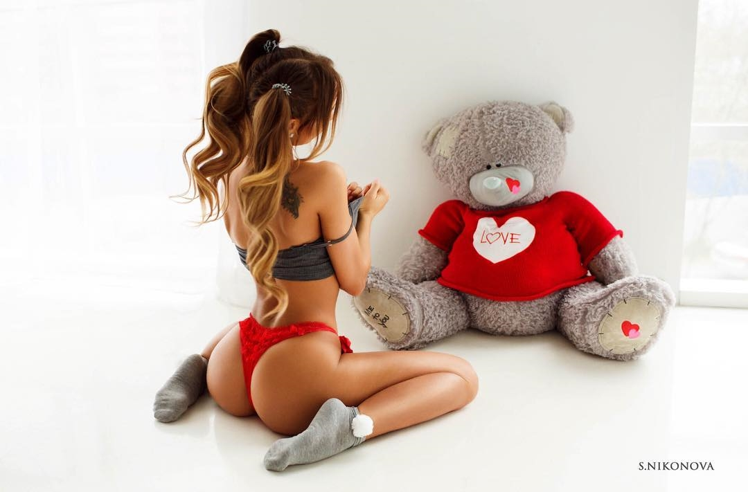 Blonde babe with having fun with her toys