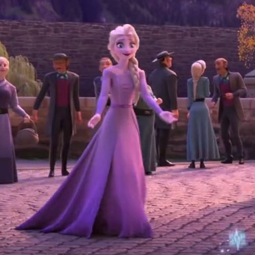 The way she opens her arms for a hug five kilometers away. #Frozen2  <br>http://pic.twitter.com/Hgu7kRPKJP