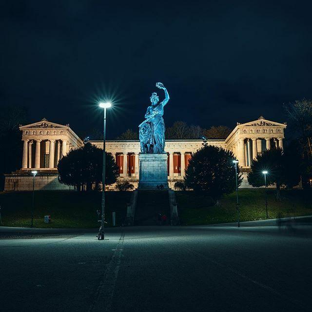 Bavaria Statue #bavaria #bavariastatue #muenchen #münchen #igersmunich #munich #visitbavaria #munichdaily #gong96 #munichblogger #munichcity #munichlove #muenchenstagram  #longexposure #awesome_photographers #justgoshoot #shoutout #turkishfollowers #iger… https://ift.tt/36NmdbIpic.twitter.com/zESEmoL1bk