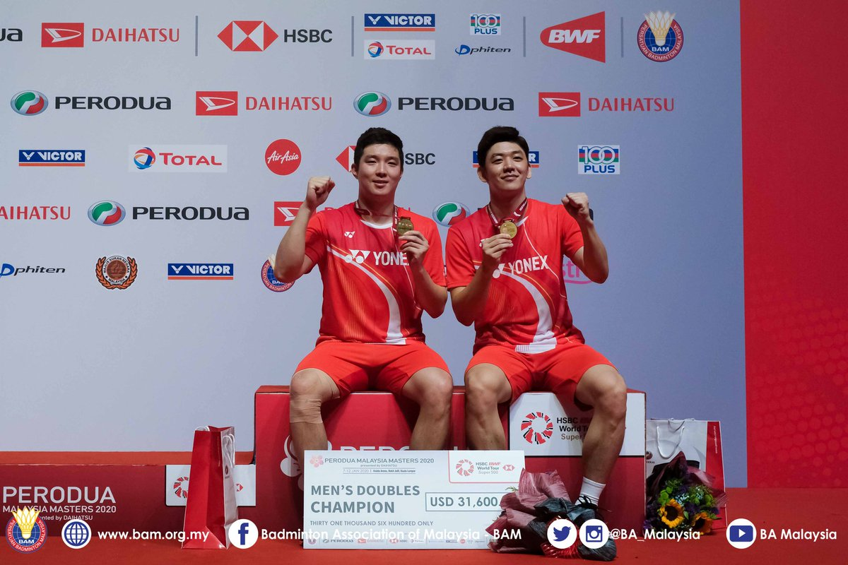 Gi Jung-Young Dae delivers upset win over Chinese favourites  #PMM2020 #WorldTour #BadmintonMalaysia #BadmintonLovers pic.twitter.com/S41XPC9wAG