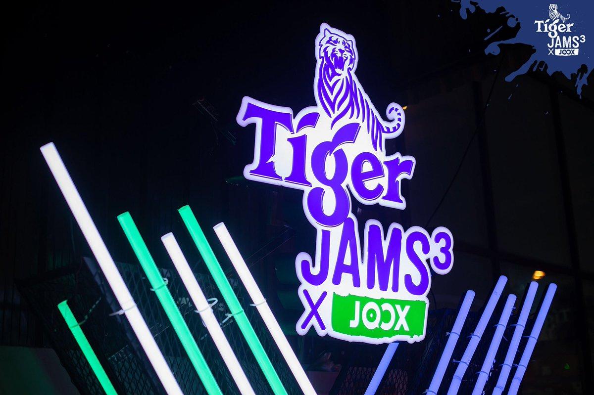 ภาพความมันส์เปิดประสบการณ์ UNCAGE เมื่อ เสือ #เอ๊ะจิรากร VS เสือ #boyjozz ในคอนเสิร์ต #TigerJams3XJoox ตอน #เสือถิ่น เมื่อวันที่ 27 ธ.ค. 62 📍 ร้าน Chom Jan @สุราษฎร์ธานี ชมภาพเต็ม ๆ ที่ https://t.co/qmdXVzExgR  อย่าลืมกดติดตามได้ที่ @TigerBeerTH @JOOXTH 😎 https://t.co/1pwSk4av7x