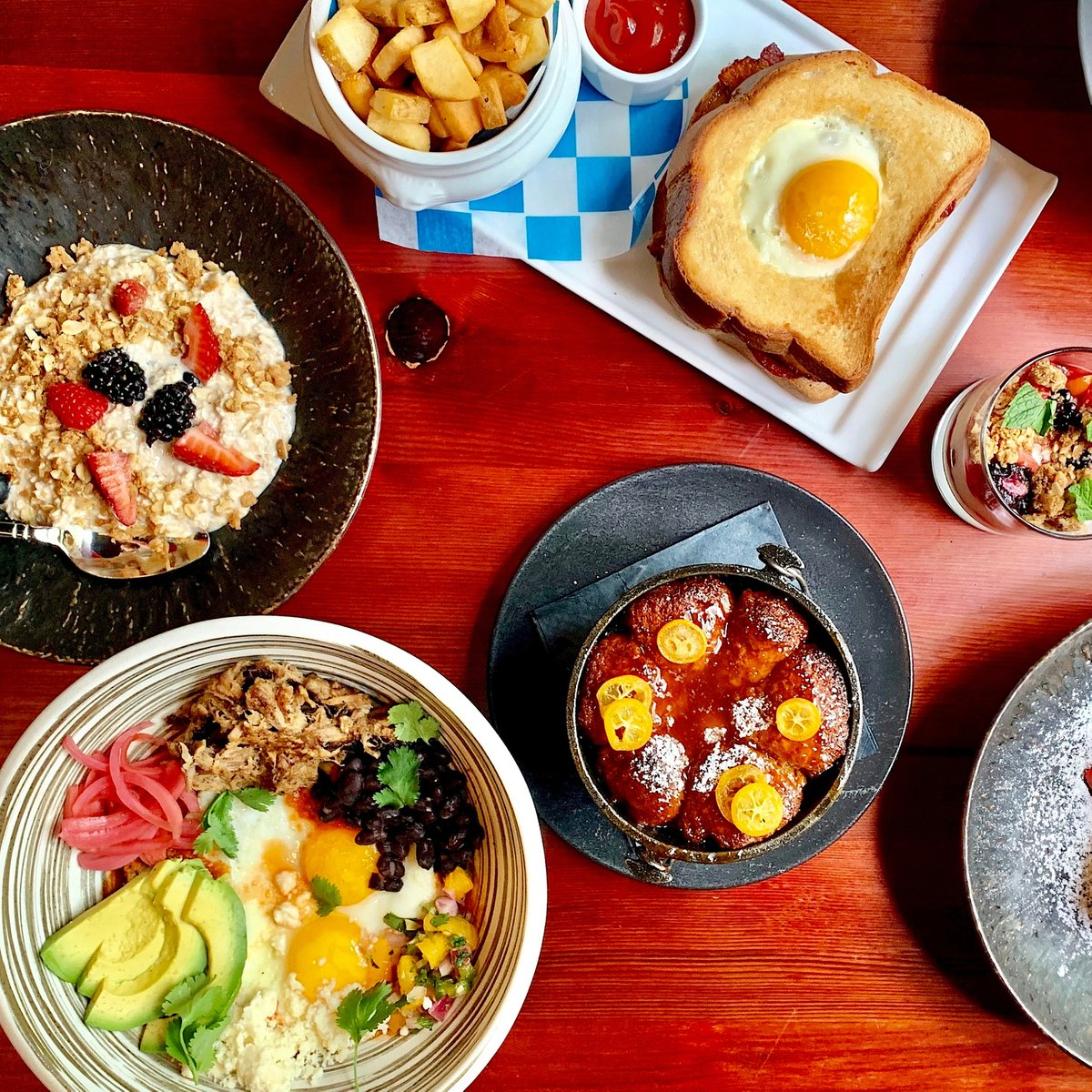 What does your #sundaybrunch table look like? Ours has the perfect balance of savory and sweet #SwiftsAttic #EatSwiftly #farmtotable #atxbrunch #atxbrunches #theaustinot #atx #austin360eats #365thingsaustin #do512 #atxfood #eateratx #opentable #trueaustin #eeeeeats #atxfoodie pic.twitter.com/TW4qB4Xy6T