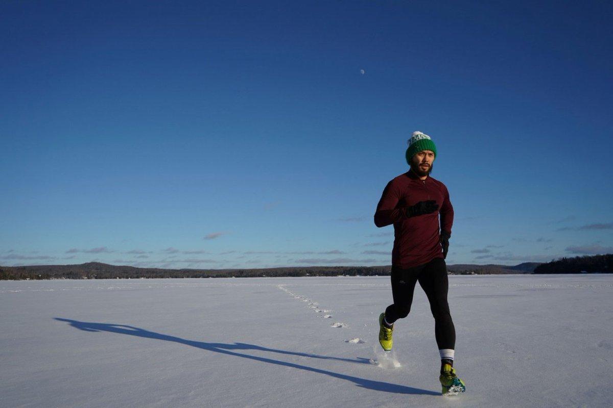 Nie śpiesz się zimą – postaw na spokojne bieganie! http://bit.ly/2t8TorC I #bieganie #spokojnebieganie #treningbiegowy #biegacz #zimowebieganie #biegambolubie #sport #sportowiec #dbamosiebie #fitness #aktywnosc #aktywnie #aktywnoscfizyczna #zdrowystylzycia #exumagpic.twitter.com/70QbbHY5Z7