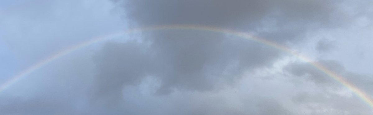 First run of 2020 & this beautiful rainbow comes out to motivate me!! #rainbowmidwife #halfmarathontraining 7 weeks today #Paris @cchmiel1 <br>http://pic.twitter.com/QpRzOxDfnm