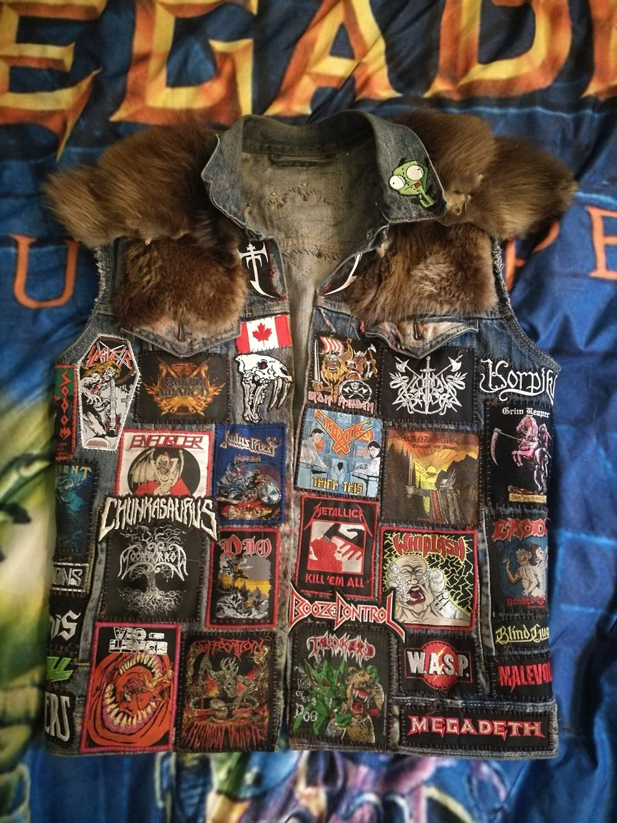My child finally finished! 3rd vest I've made, traded the spikes out for some fur this time.  #battlevest #battlejacket #metal #heavymetal #thrash #vikingmetal #patchespic.twitter.com/IJdBzGF5C2