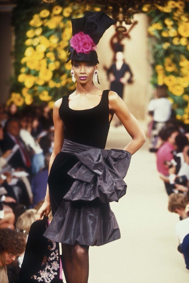 yves saint laurent haute couture f/w 1994 https://t.co/Qh0NYNkoWu