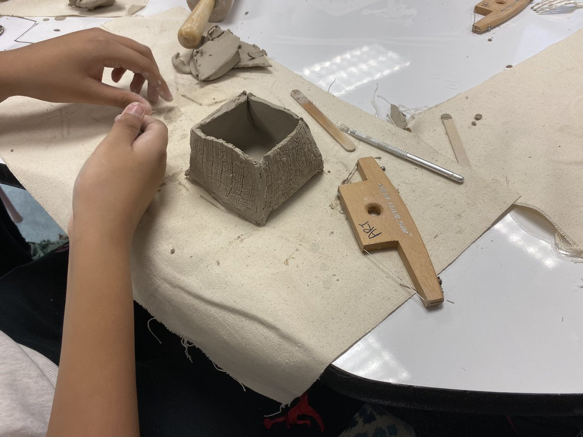 It's clay season in the art room! Gr 5 artists are manipulating slabs to create memory boxes. <a target='_blank' href='https://t.co/mLApB4ETtm'>https://t.co/mLApB4ETtm</a>