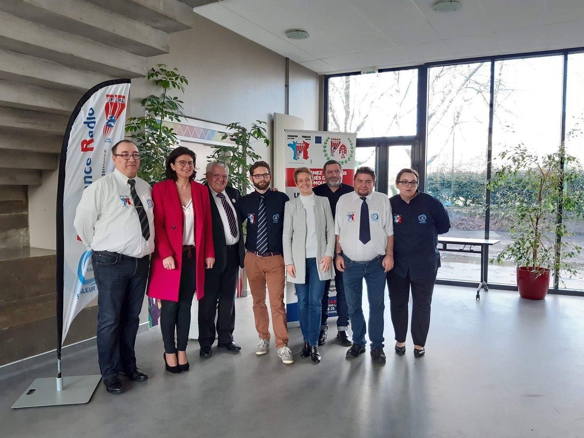 Madame #LaurenceGarnier2020 la Vice-Présidente de la #RégionPaysDeLaLoire invitée à l'AG de #OuestRadioAssistance par #MathieuVitard #Nantes #StadeNantais #LaLoco