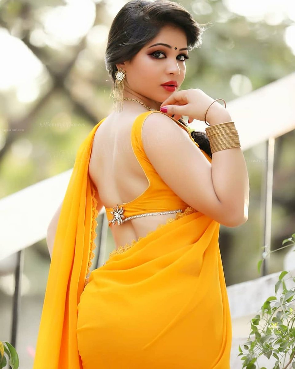 Kolkata chubby girl nude selfies showing huge boobs and ass