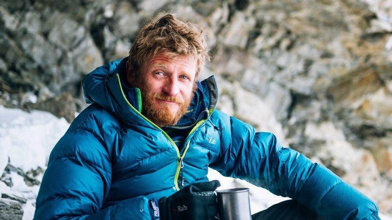 #TomaszMackiewicz #czapkins dziś skończyłby 45 lata... Był polskim alpinistą. Zginął z miłości 💙 do #NangaParbat 🗻(8125 m), podczas próby zdobycia jej szczytu zimą❄️.  #KillerMountain #Pakistan https://t.co/yiKFYrpWw6