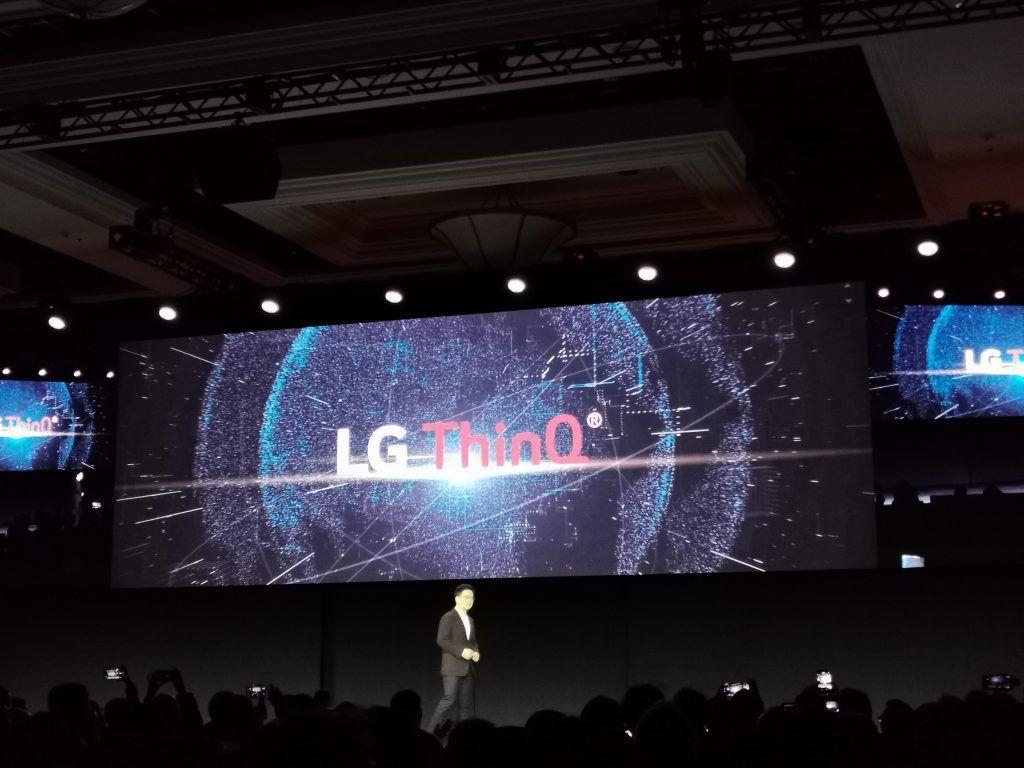 #PorSiTeLoPerdiste #LGCES2020MX Durante el primer día de conferencias del #CES2020 tuvimos la oportunidad de ver con más detalle como @LGMexico quiere beneficiar a los consumidores con la inteligencia artificial, acá te dejamos todos los detalles https://buff.ly/2NkRACTpic.twitter.com/tYWr1k4WJv