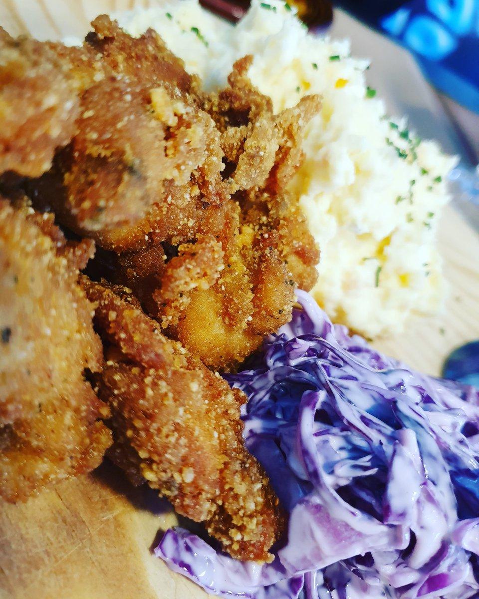 Pollo al estilo New Orleans (alitas y muslos deshuesados, pure de patata y col Law) en la carta de @paparrua de #vigo  #vigosecome #dondecomer #comerenvigo #vigocity #riasbaixas  #gastrosensaciones #galicia #vigomola  #restaurantes