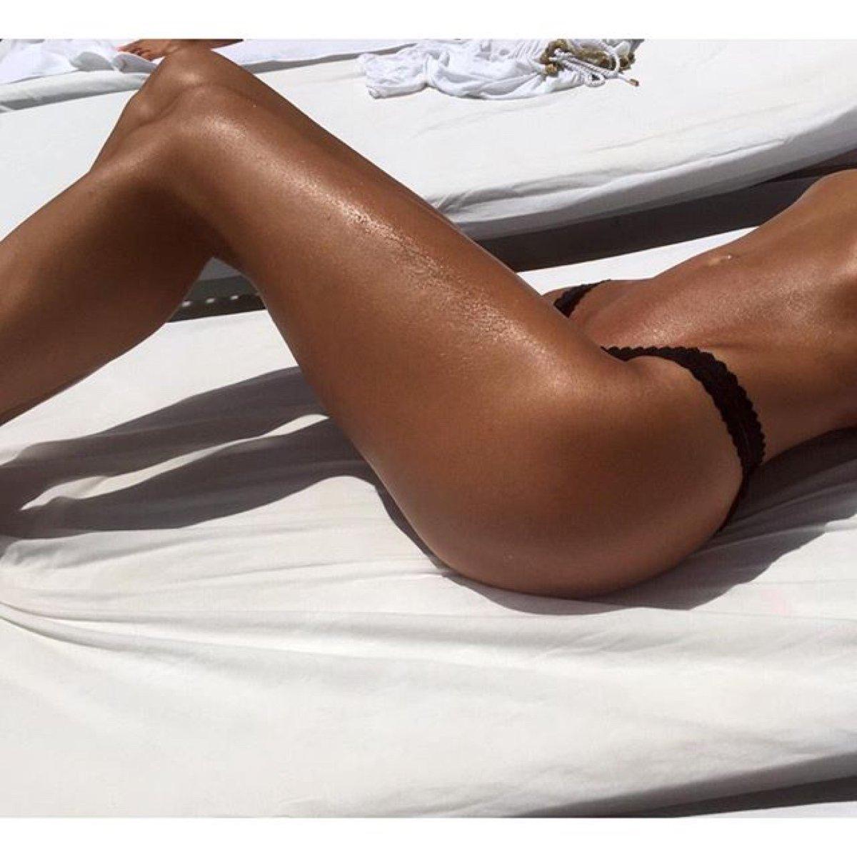 бескорневая плавающее фото загорелых женских тел то