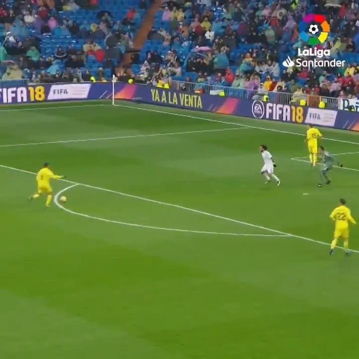 ☄⚽ ¿Qué aficionado del @VillarrealCF no recuerda este gol de Pablo Fornals? 🔙 #TalDíaComoHoy