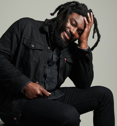 Jason Reynolds Named National Ambassador for Young People's Literature ow.ly/5dh650xTZaI