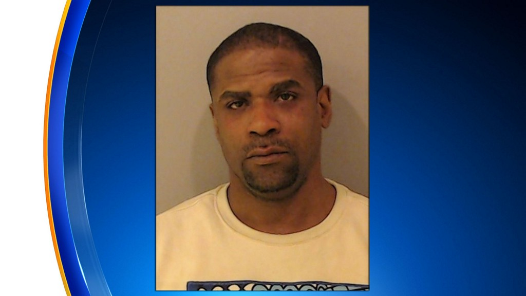 Man Charged With Stealing $50,000 Worth Of Diamonds From Gurnee Store chicago.cbslocal.com/2020/01/12/man…