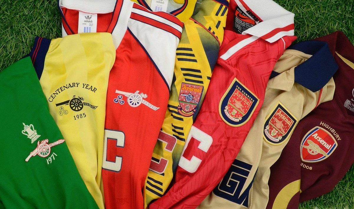 The New Year sale at @classicshirts is ending at 11pm TONIGHT. Be sure to take advantage of the 20% sale off all products. Use code CFS2020 here - classicfootballshirts.co.uk/?ref=throwback…