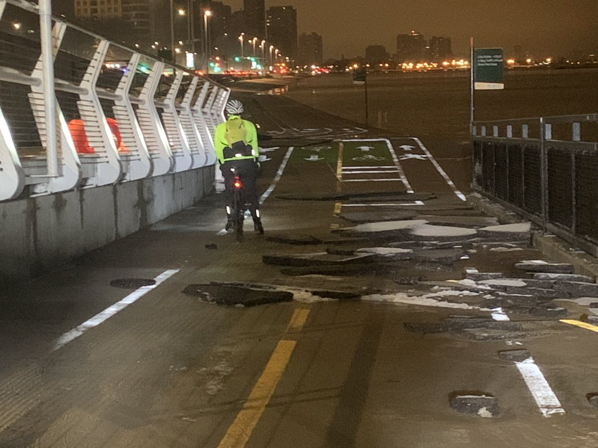 Some Chicagoans are deciding to take their chances this morning on the lakefront trail after the weekend's severe winter storm left asphalt crumbled & the path closed. CLICK FOR MORE FROM @cbschicago: chicago.cbslocal.com/2020/01/12/cra…